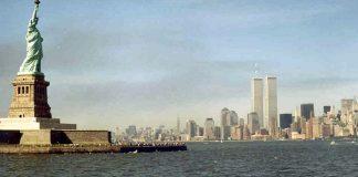 La statue de la Liberté et les twins towers...