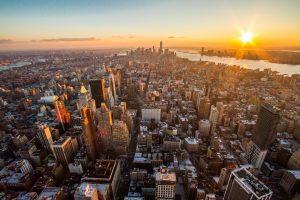 L'Empire State building au coucher du soleil.