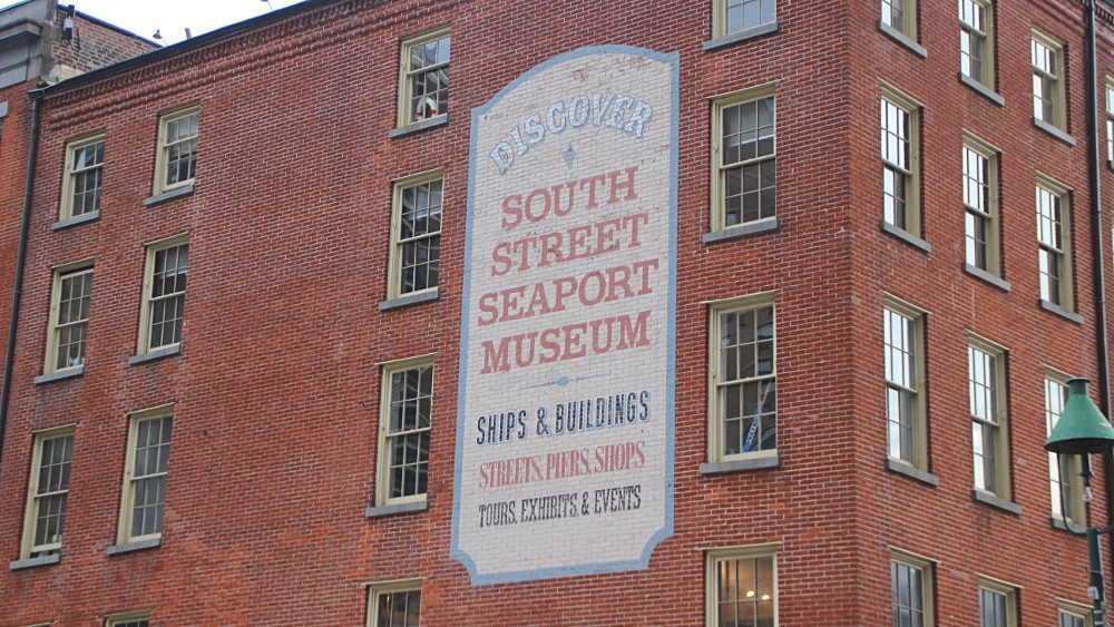 Promenade sur les quais de South Street Seaport