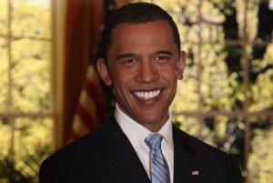 Barack Obama tout sourire chez Madame Tussauds