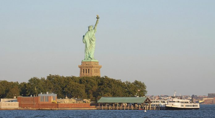 coucher soleil statue liberte