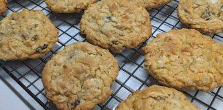 cookies raisins