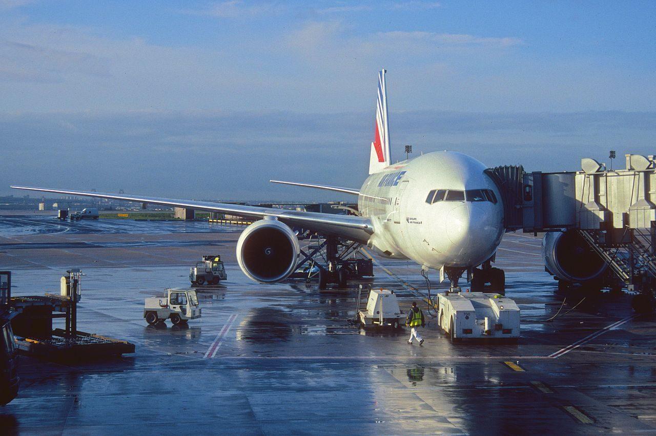 Air France assouplit ses conditions d'annulation et lance une assurance Covid-19