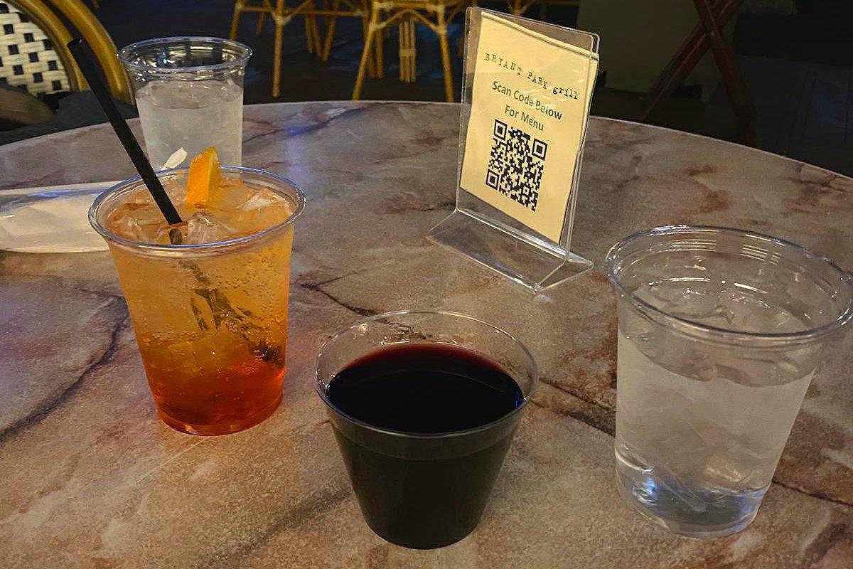 Comment les restaurants et bars de New York s'adaptent-ils au Covid-19 ?