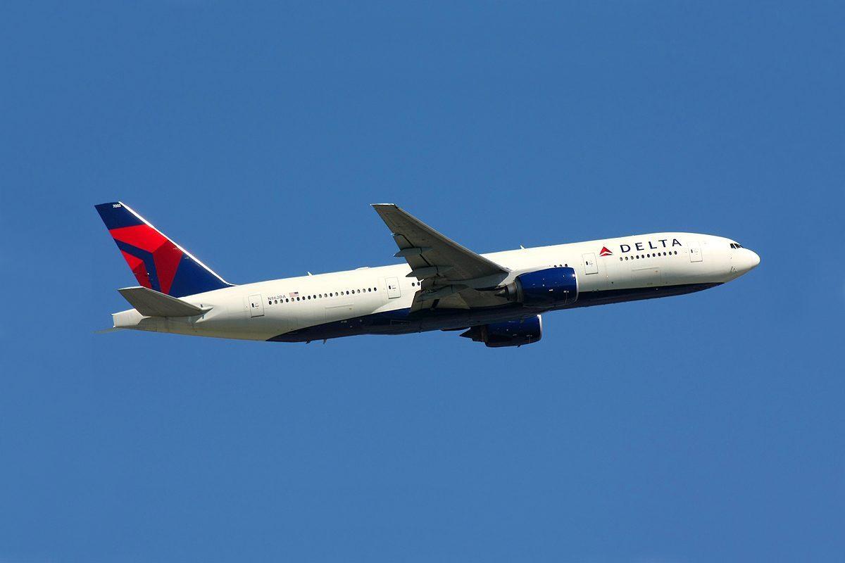 Covid-19 : les compagnies aériennes poussent pour une reprise des vols entre l'Europe et les USA