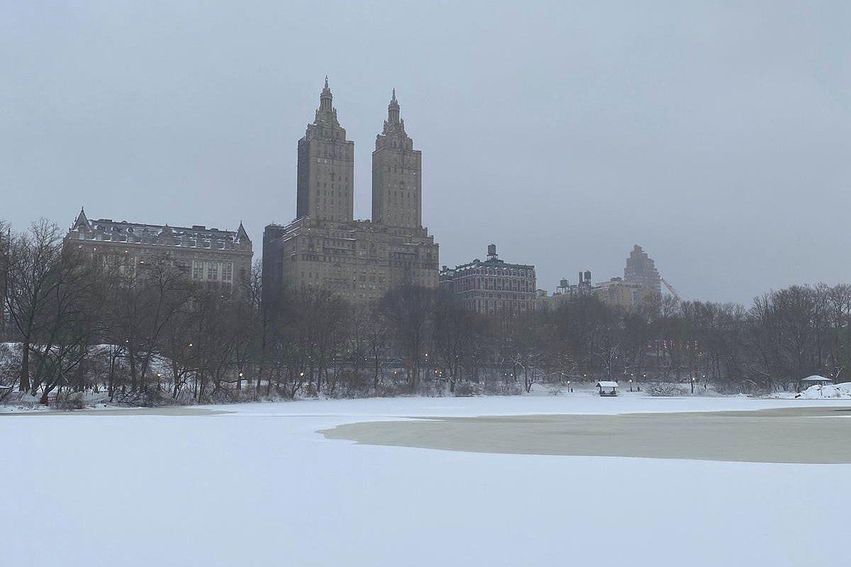 New York subit la première tempête de neige de l'année 2021